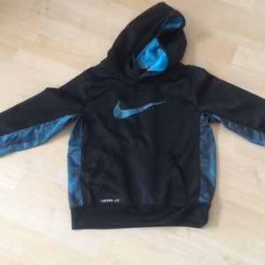 Nike-Therma fit Size 7
